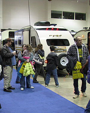 Oregon State Salem Spring RV Show: Enjoying the indoor motorhome exhibits